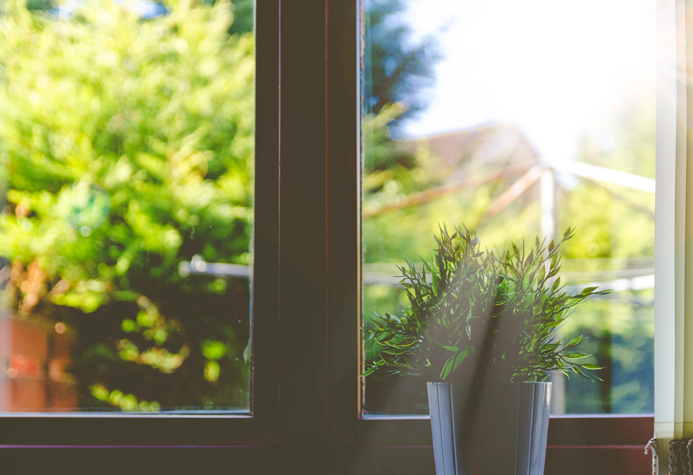 Here are some of the best ways to assess the energy efficiency of windows. Includes looking at your energy bills, comparing energy rating labels & finding out more about the u-values. Speak to a window installer for advice.